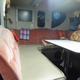 チェンマイからバンコクへ向かうバスの中。席は快適だけど。。