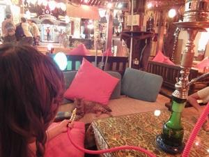 夜のダハブにはたくさんのレストランが。ぼられないようにね