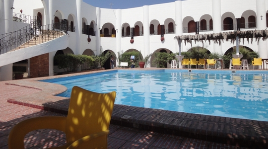 昼間はダハブのホテルでくつろぐ