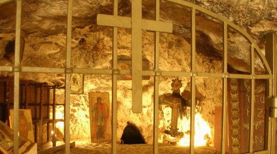 イエスがこもっていた誘惑の山の洞窟
