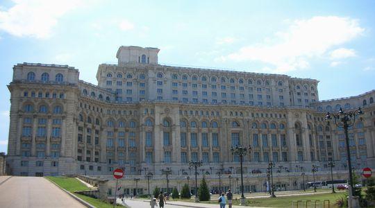 ルーマニア革命の象徴か。国民の館