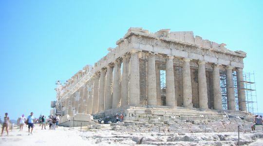 力強いパルテノン神殿