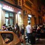 ナポリの老舗ピザ屋ダ・ミケーレは長蛇の列