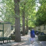 広大な敷地にコテージが並ぶローマの安宿「Tiber Village Hostel」