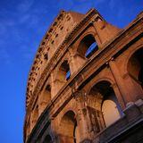 夕日に映えるコロッセオ