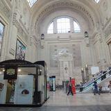 石造りが美しい立派なミラノ駅