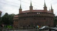 戦災を免れた中世の建物が並ぶクラクフ