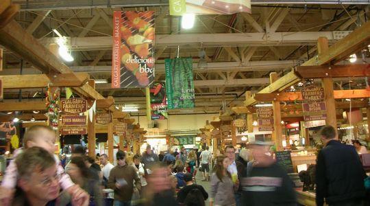 オーガニックな食材が揃うカルガリーのファーマーズマーケット