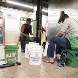 プラスチックバケツの打楽器演奏 in NY