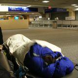 ベッドまで貸してくれたダラスフォートワース空港の夜