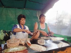 メキシコの屋台で食べ歩き