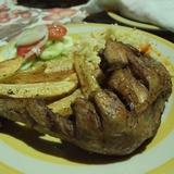 グアテマラのポヨはぴかいち。ケツァールの宿で夕食