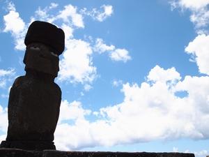 タハイ遺跡(アフ・タハイ)のモアイ