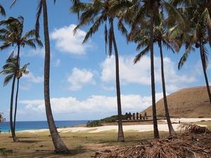 イースター島の白浜のビーチ