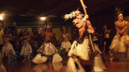 イースター島の伝統舞踊カリカリダンスはおもしろい