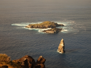 オロンゴ儀式村からのぞむMoto Nui Island