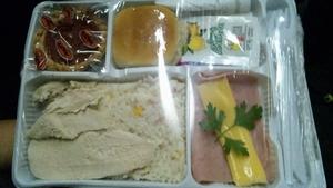 ブエノスアイレスからエンカルナシオンへの夜行バスで出たお弁当