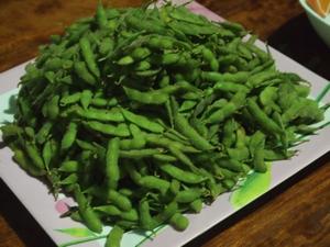イグアス移住地の大豆をゆでて枝豆に
