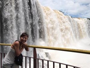 既にずぶ濡れのイグアスの滝