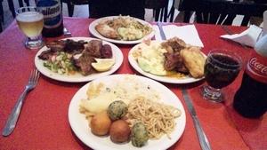 ブエノスアイレスで中華+アサードの食べ放題