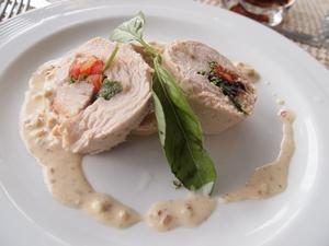 ドレーク海峡での南極上陸クルーズ船の中の楽しみといえばシェフの豪華な料理。朝、昼、おやつ、夜と1日4回の料理がでる。