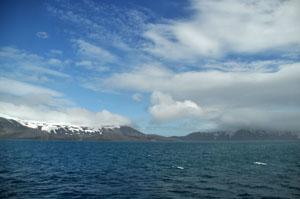 南極クルーズ船 Antarctic Dream号はウシュアイアを目指して出発。南極最後の島を見送る