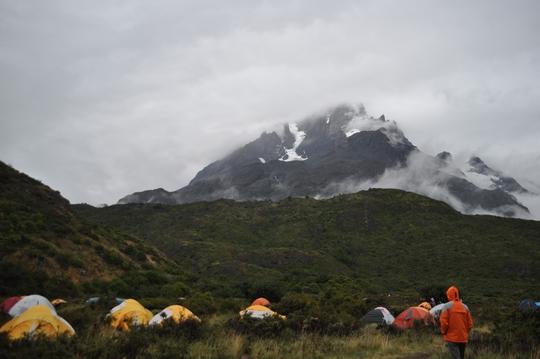 パイネグランデキャンプ場。パイネトレッキング初日、まさかの雨