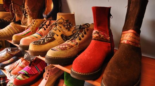 クスコといえばオーダーメイドの靴