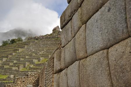 マチュピチュの太陽の神殿の見事な石組み