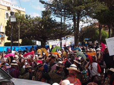 ポトシの広場周辺はお祭り騒ぎ