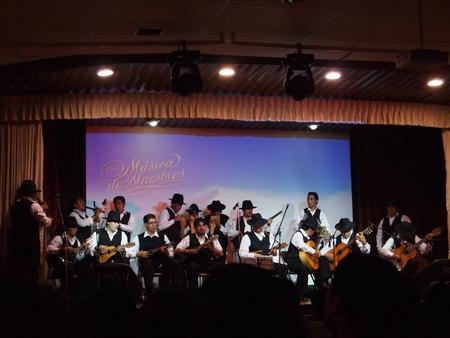 ラ・パス日本人会のチャリティーコンサート。ビッグバンドによるフォルクローレの演奏