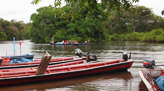 ルレナバケのパンパツアーがスタート。途中からボートに乗り換えて移動