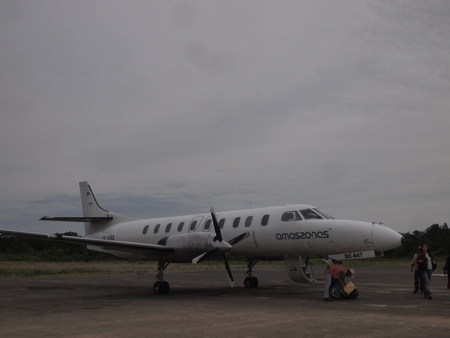 ルレナバケからラ・パスへ帰るプロペラ機は立派